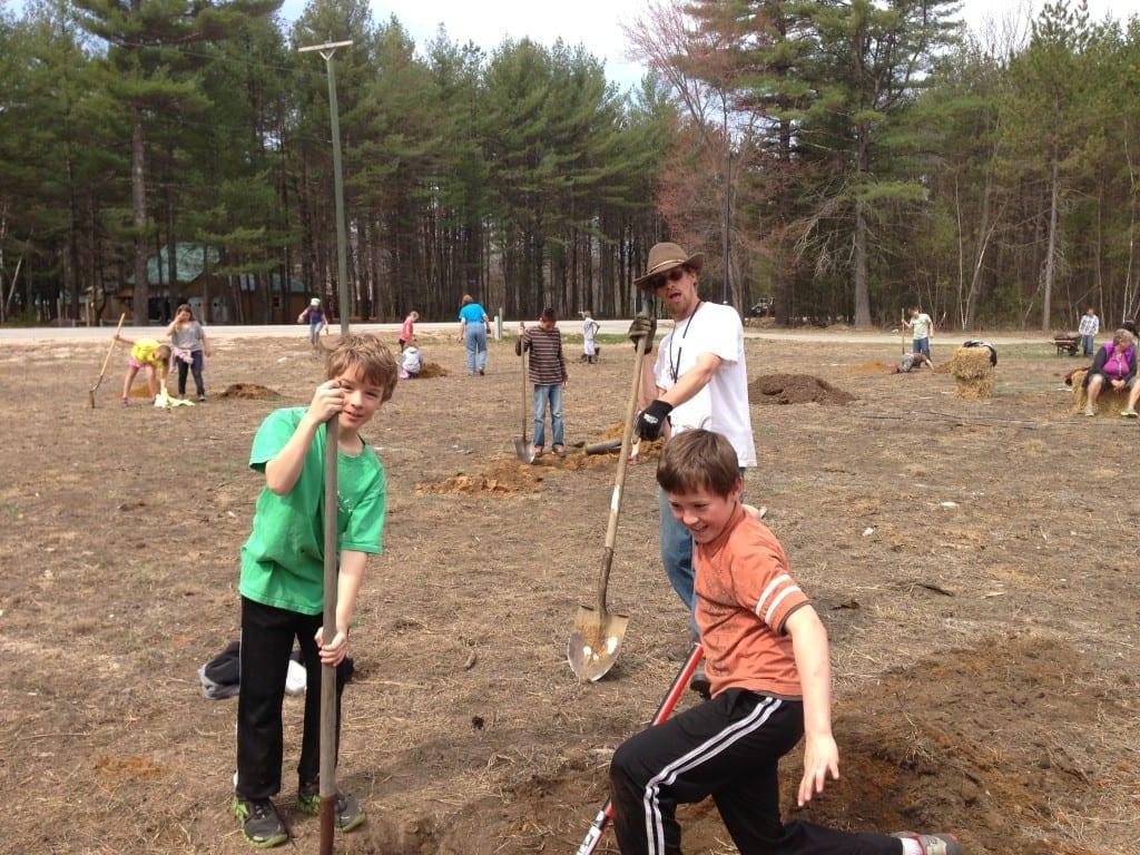 Schoolyard fruit tree planting | Community orchard